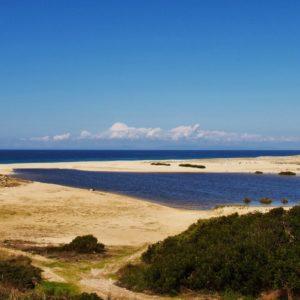 Strand und Lagoa de Melides, Portugal