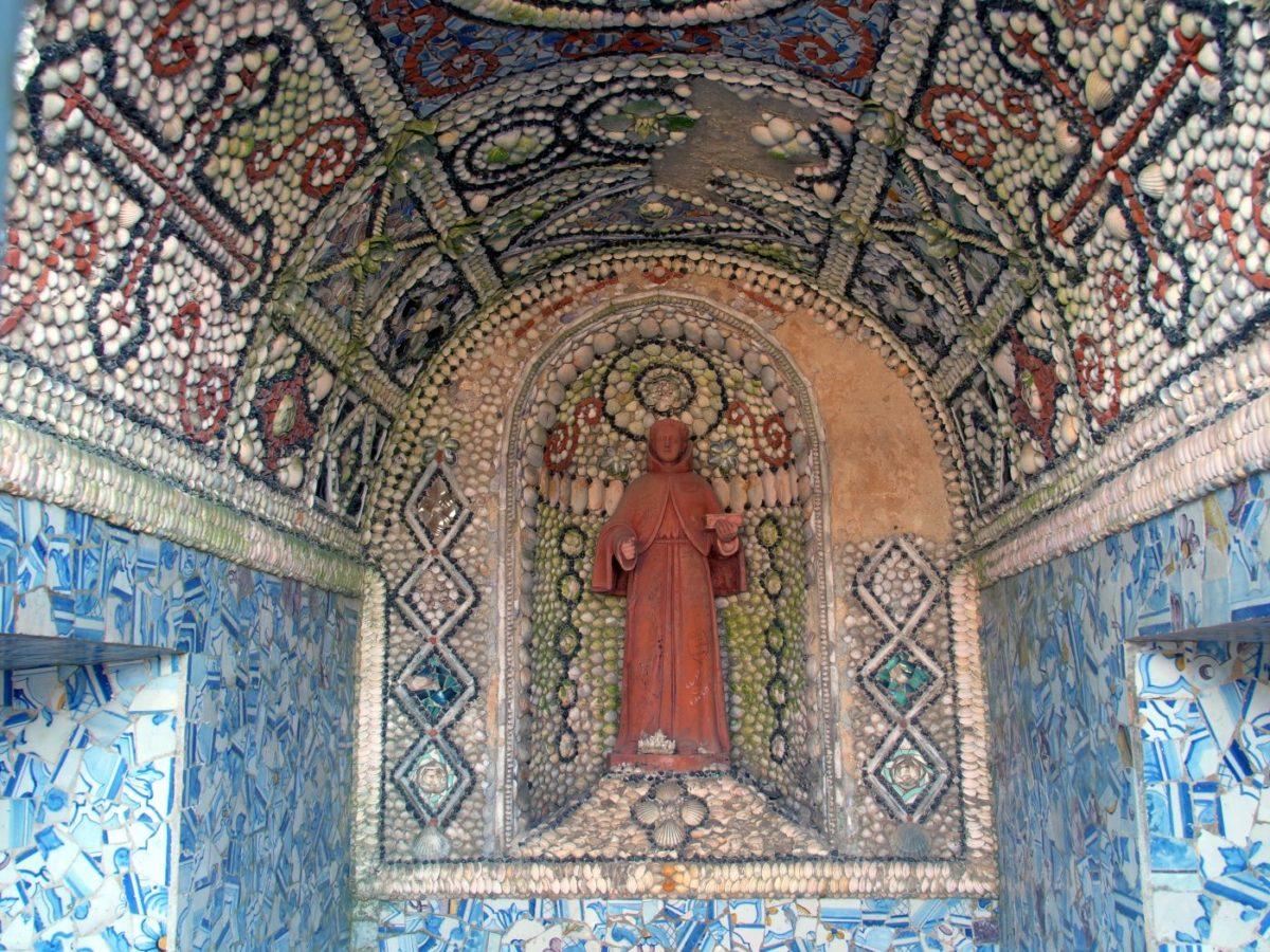 Muschelkunst im Convento dos Capuchos
